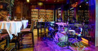 Mastro's Chicago Bar